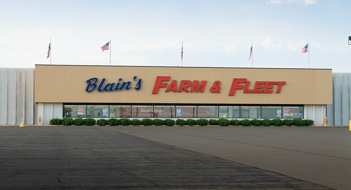 Farm & Fleet of Sycamore
